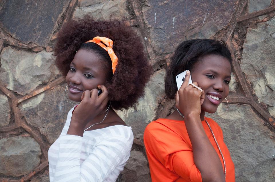 польза смеха по телефону