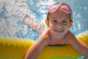 польза плавания в бассейне для здоровья