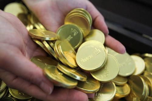 накопленные деньги в руках