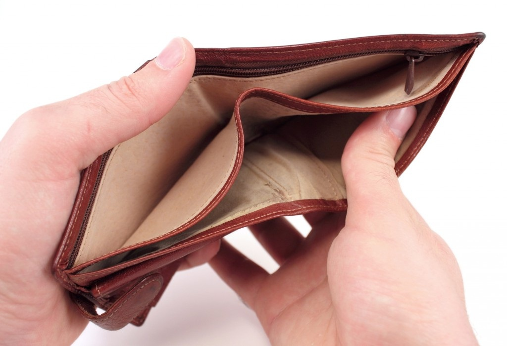 кошелек пустой, привычка жить в долг